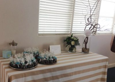 Foyer-Gift table