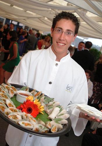 Manly-Yacht-Club-Balcony-waiter-&-food