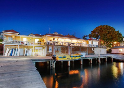 Manly-Yacht-Club-Building-locaiotn-shot-AT-DUSK-James-Billing